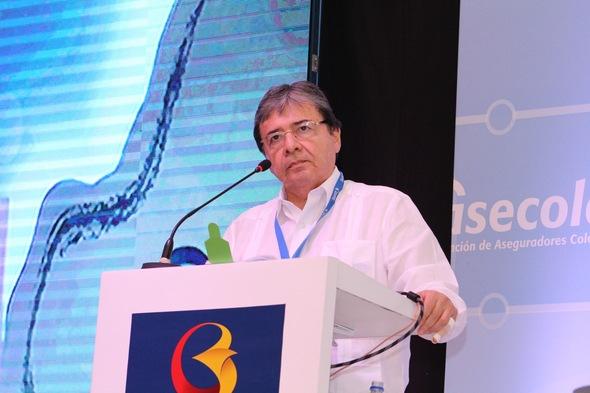 Carlos Holmes Trujillo en la Convención Internacioanl de Seguros 2016.